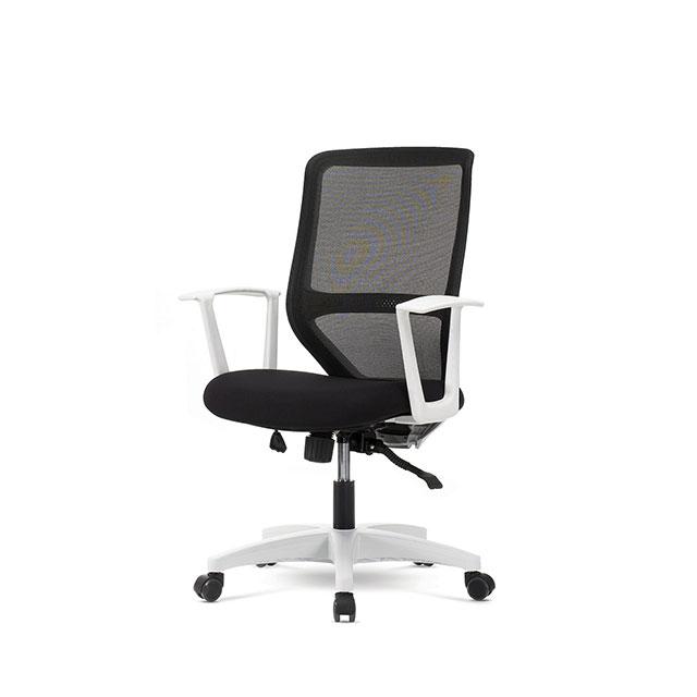 LK600 블랙 중형 책상 의자 GC430-12
